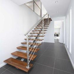 Ouvrez l'intérieur de montage de l'étape de conception en bois escalier rectiligne avec balustrade en verre