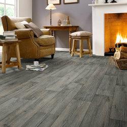 木デザインPVCビニールのフロアーリングクリックの商業か住宅のビニールの床