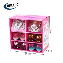 Les filles prétendre jouer Princess Fashion jouets avec des bijoux et des chaussures
