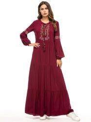 Personalizzare il vestito lungo dal manicotto del ricamo delle donne del vestito da modo