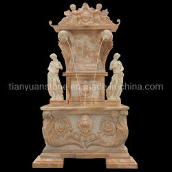 Fontana di acqua antica dell'interno di pietra di marmo beige della parete