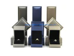 Boîte à bijoux de luxe Gift Set PU Fake avec surface en cuir velours noir à l'intérieur de gros de mousse