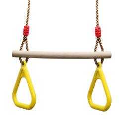 Trapecio de madera de plástico de swing con anillos para niños Gimnasio triangular