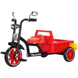 Novo triciclo infantil multifuncional com a parte traseira da estrutura traseira da caçamba e o bebé aluguer