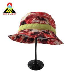 Мода Леди рыбного промысла на открытом воздухе с Sun с головкой ковша Red Hat