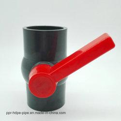 Длинная ручка черный корпус пластиковый ПВХ шаровой клапан Китая поставщиком низкой цене
