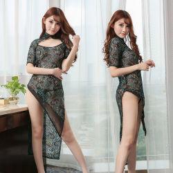 孔雀パターンは明るい絹の見通しのCheongsamの性の誘惑完全に光っている
