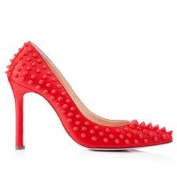リベットの女性のセクシーなハイヒールの女性の靴の新しい到着ポンプ靴