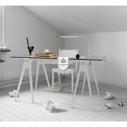 O vidro temperado topo Escrivaninha Pernas de carvalho branco