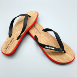 Cadute di vibrazione superiori dei pistoni del PVC di nuovo disegno per il cursore su ordine dei sandali di estate della spiaggia degli uomini