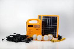 Usb-Aufladeeinheit10w Portable weg Rasterfeld-vom Solarbeleuchtungssystem-Energie-Installationssatz mit FM Radio-/der Fackel-Licht-/Anzeigen-Light/4 PCS LED Birnen