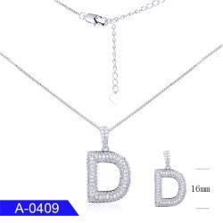 Neue Form-Silberoder Messing-Schmucksachenkubikzirconia-Alphabet-Zeichen-Namen-hängende Halskette für Mädchen