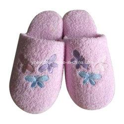 テリーUpperおよびPretty EmbroideryのFasion Girl Indoor Slippers