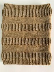Cachemire lavorato a maglia con la sciarpa molle del poliestere