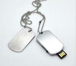 الأقراص القابلة للاستهلاك تنعقد قرص فلاش USB خاص بالمدلاة ذات علامة الكلب