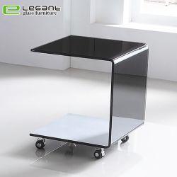 Черной краской изогнутой стеклянной конец таблицы с колеса