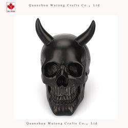 Cranio nero con il mestiere della resina della decorazione della casa del regalo di Halloween dei corni