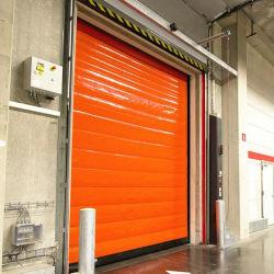 Un cuarto frío/cámaras frigoríficas con cortina de PVC de puerta