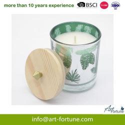 Candela di vetro del profumo di lusso con il coperchio di legno per il festival di natale