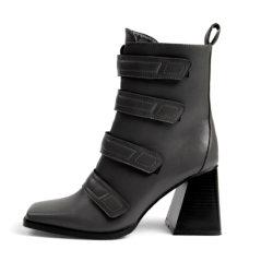 I pattini delle signore di modo dei pattini delle donne hanno marcato a caldo la signora Shoes donne degli alti talloni caricamenti del sistema