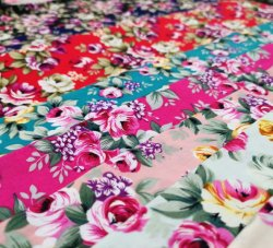Textilform-Baumwolle 100% gesponnenes normaler neuer Entwurf gedrucktes Gewebe für Haupttextil-und Kleid-Gewebe