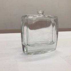 Flacon en verre transparent avec de la couleur pour le parfum de pulvérisation