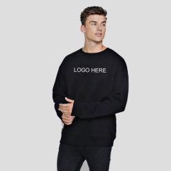 Il modo sembra la maglietta felpata di grande misura di inverno del ragazzo freddo con il marchio su ordinazione