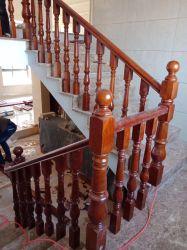 Foshan moderno estilo de moda Copo de aço inoxidável Madeira Corrimão da escada