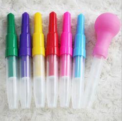 Продуйте цветное перо маркера воду с цветными чернилами для детей живопись