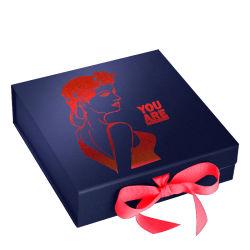 包装の茶か靴または衣類または服装またはランジェリーまたは下着または蝋燭またはチョコレートまたは香水またはチョコレートまたはソックス詰める2つの習慣のロゴによって印刷されるボール紙の磁気ペーパーギフト用の箱