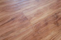 Laminated Flooring with Hand Scraped Surface-Lydl01-1215X146X12mm