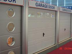 وحدة PU السكنية المعزولة بالفولاذ المعتمدة من قبل الاتحاد الأوروبي، آلية رفع قياسية آلية، باب الجراج مع باب المشاة