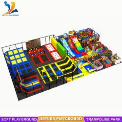 Grande Parque Infantil Piscina trampolim local combinado