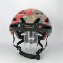 Новые горные дороги на велосипеде разноцветной внедорожного шлем