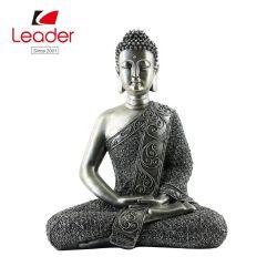Hogar y jardín Polyresin decorativa escultura de Buda sentado estatua de Buda túnica de plata