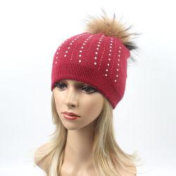 Пользовательские моды трикотажные Beanie POM POM Red Hat с валика клея