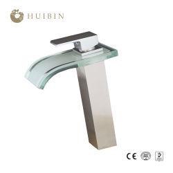Unsercounter lavabo de cristal de llenado de la Olla de latón LED Grifo Cascada