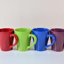 China Fábrica colorida grossista venda quente super barato Stock Easy-Cleaning viajar e chá canecas de porcelana e copos de cerâmica