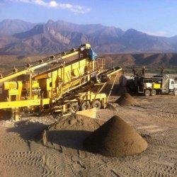 Usine d'exploitation aurifère Mobile concasseur de pierre utilisés dans le cuivre, l'or, mine de minerai de Rock