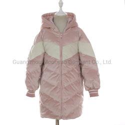 長い冬は子供の子供の女の子のジャンパーのためのジャケットによってキルトにされるフード付きの下で長持ちする
