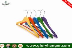 木のワイシャツのハンガーのMutifunctionalのハンガーの工場、Homewareの製品は卸し売りする