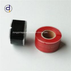 Черный силиконового каучука наматывается лента