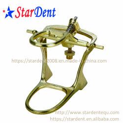 大型の外科医療機器が付いている歯科発音が明瞭な人