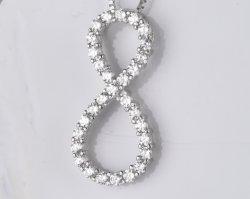 Pendente Infinity in argento sterling 925 in vendita a caldo con CZ bianco