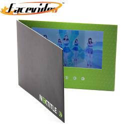 Commerce de gros oeuvre Carte de voeux papier vidéo LCD 7 pouces Brochure Carte d'invitation de la vidéo Livre pour les festivals d'anniversaire de Noël