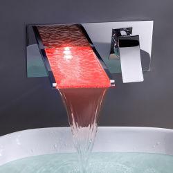 Manejar la cascada de vidrio de la cuenca del LED grifo mezclador cromado