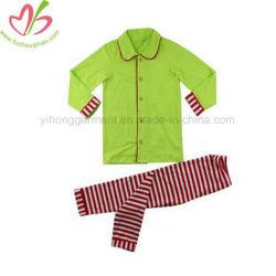 Série de Natal Kids Sleepwear com botões verde e vermelho