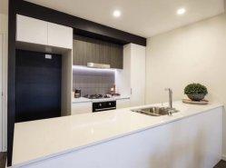 Couleur Blanc laqué brillant des armoires de cuisine