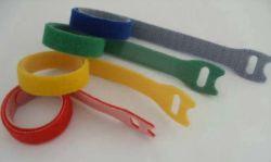 De brede Zelfklevende Tweezijdige Kabel van de Bevestigingsmiddelen van de Band van de Haak en van de Lijn van de Band van de Stof Kleverige