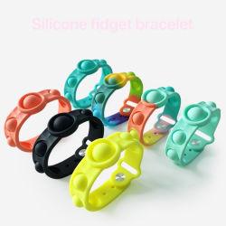 Customed Logo المملكة المتحدة هوت المبيعات Pringيing Silicone Watch Shape المطاط لعبة تخفيف الضغط على اليد اضغط على لطيف مفتتة فاشون بوب حزام المعصم